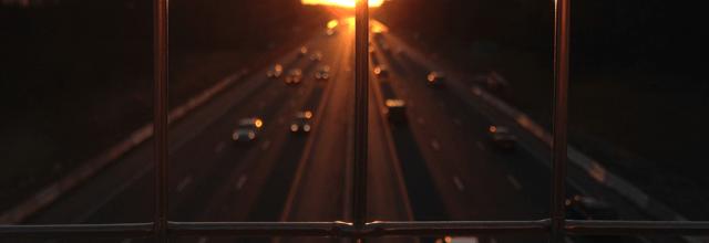autostrada samochody samochód jazda ulica droga gdzieś przeszłość wspomnienia refleksje