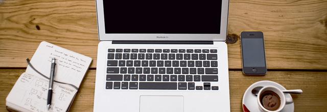 komputer praca biuro laptop netbook notebook biały