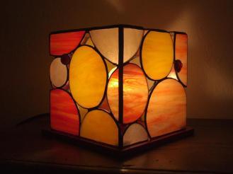 Lampada cubo rossa