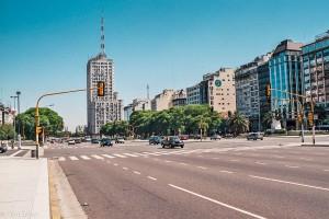 Nejširší ulice světa Avenida 9 de Julio v Buenos Aires – Buenos Aires, Argentina [Mart Eslem]