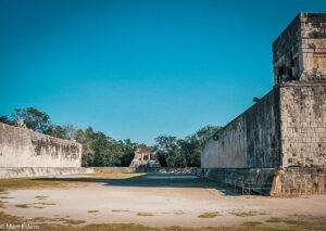Hřiště pro Juego de Pelota, Chichén Itzá, Yucatán, Mexiko (Mart Eslem)