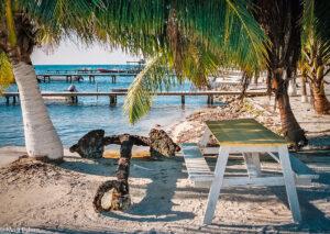 Pohodové karibské pláže v Belize (Mart Eslem)
