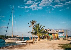 Pohodová atmosféra Karibiku, Caye Caulker, Belize (Mart Eslem)