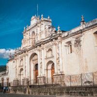 Průčelí Catedral de Santiago, Parque Central, Antigua Guatemala (Mart Eslem)