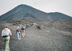 Pochod k vrcholu sopky Pacaya, Guatemala (Mart Eslem)