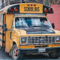 Školní autobus pro veřejnou dopravu, Guatemala (Mart Eslem)