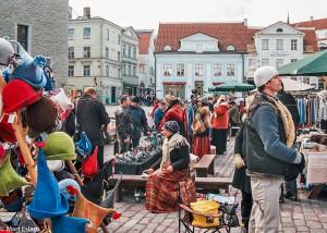 Stánky na Radničním náměstí v Tallinu (Mart Eslem)
