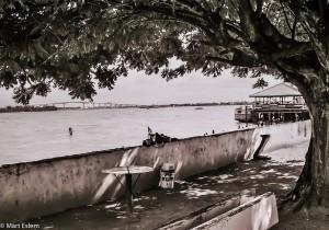 Nábřeží řeky Suriname (Mart Eslem)