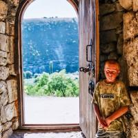 Vchod do skalního kláštera (Mart Eslem)