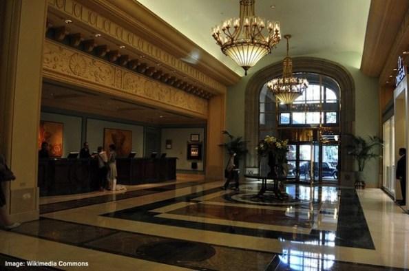 800px Hotel Vancouver lobby 03 2