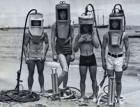 1920s divers James Vaughan via Flickr