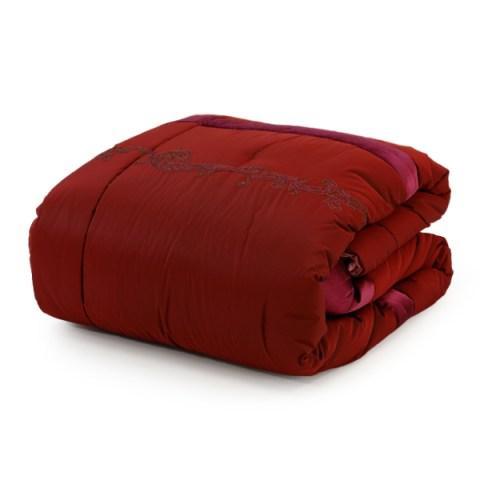 Trapunta invernale matrimoniale dal tessuto in seta con coppia di cuscini arredo per la casa