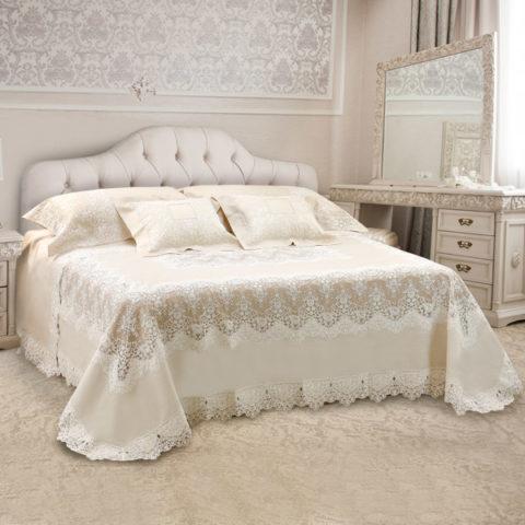 Collezione primo letto sposa in lino colore ecrù con pizzo ricamato su tulle di colore panna - Eloise