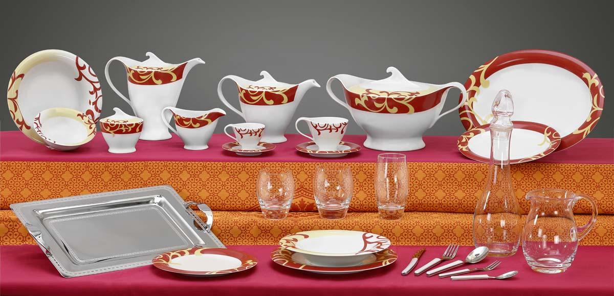 Completo piatti bicchieri e vassoi con decorazione bordeaux e vaniglia Bahia