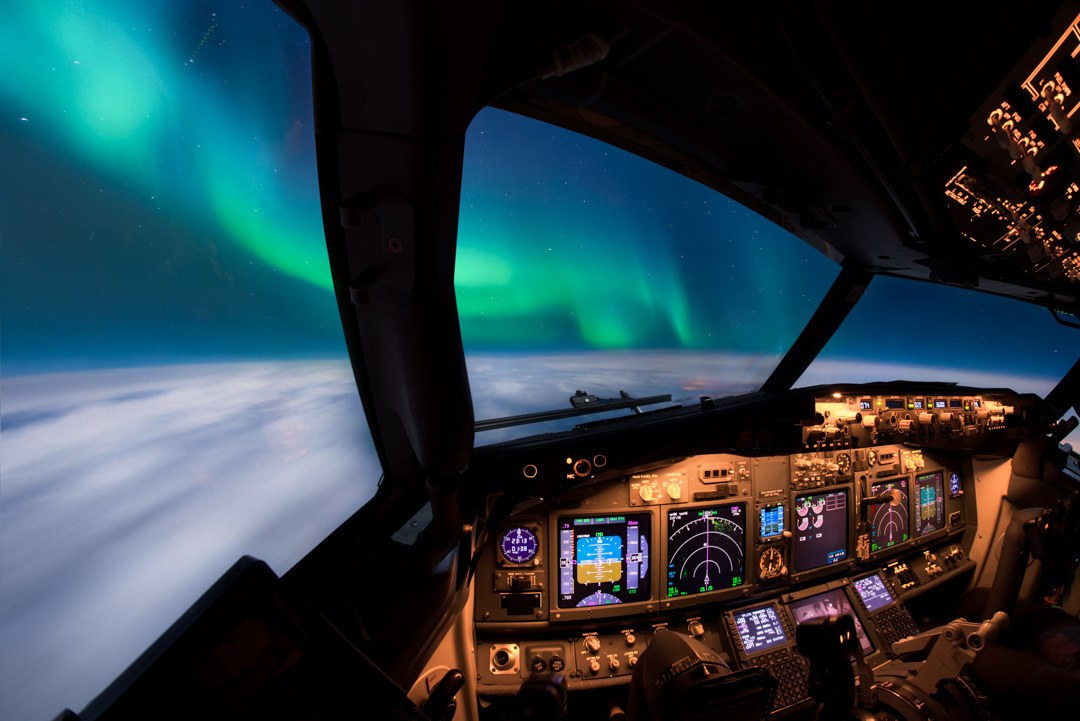 Flying under the Auora Borealis