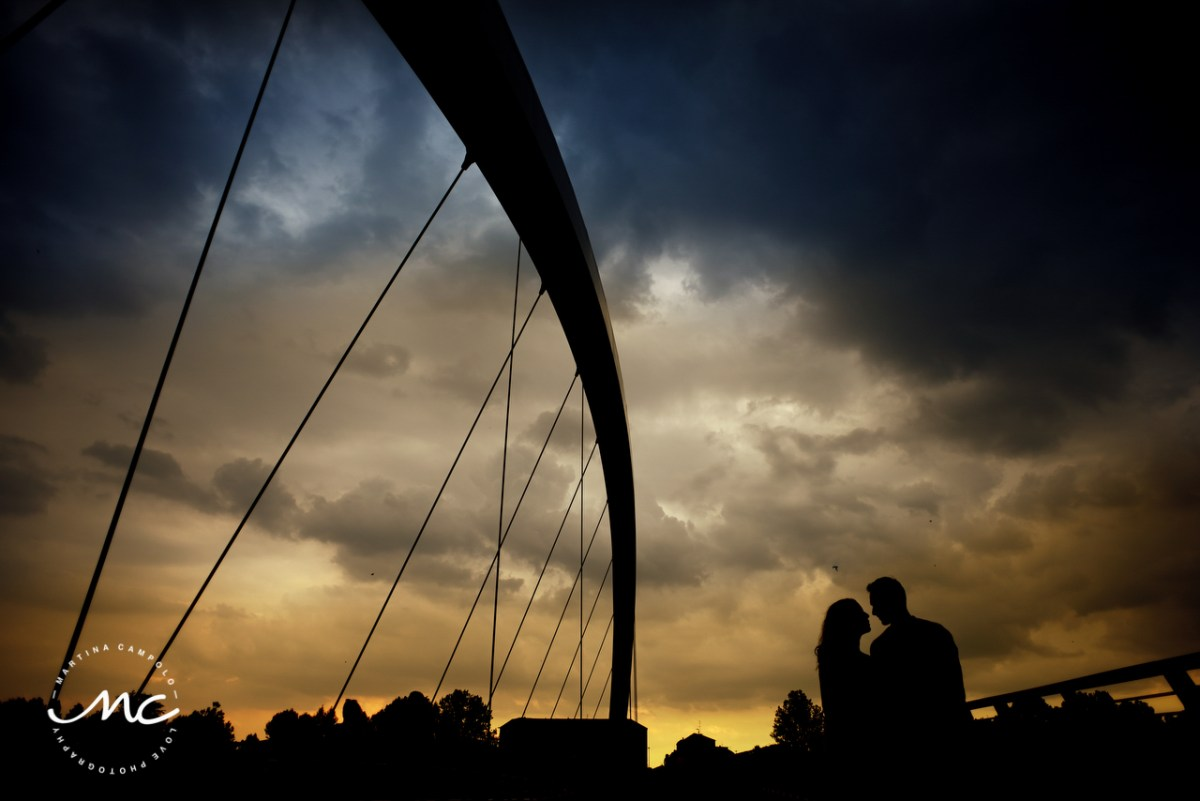 Couple silhouette. Creative engagement photos in Alessandria Italy by Martina Campolo