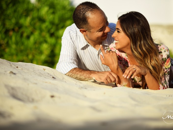 Playacar anniversary beach portraits for Sara Tamargo and Daniel. Martina Campolo Photography
