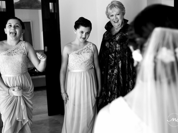 Black and white getting ready moment at Hacienda del Mar, Puerto Aventuras, Mexico. Martina Campolo Wedding Photography