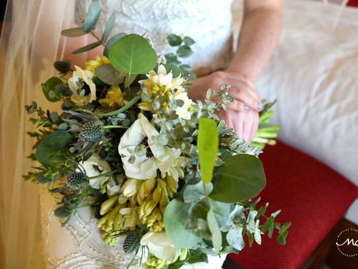 White and green bridal bouquet for Hacienda del Mar wedding in Mexico. Martina Campolo Photography