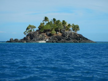 The teeny tiny Teddy Bear Island, where we did the final dive.