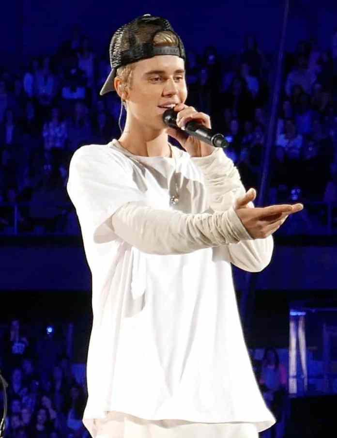 Justin Bieber. Fuente: flickr. Autor: Lou Stejskal