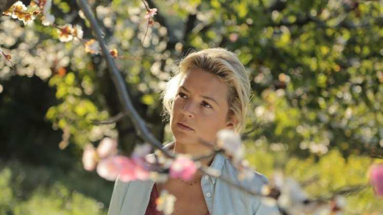 """Image from the movie """"Pastel de pera con lavanda"""""""