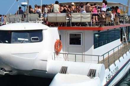 1551289174_fiesta_barco_valencia3