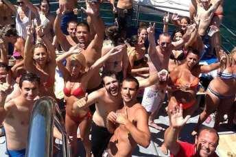 1551289189_fiesta_barco_platja_daro_costa_brava5