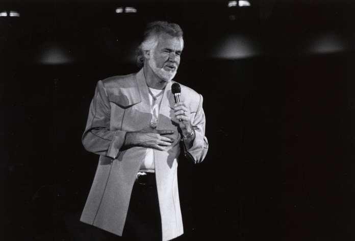 Kenny Rogers en la Universidad de Houston en 1981