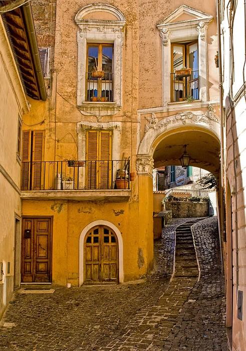 Side Street, Rome Italy