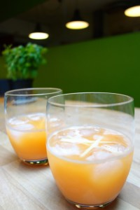 Ananas-gembersap - Pineapple-ginger juice