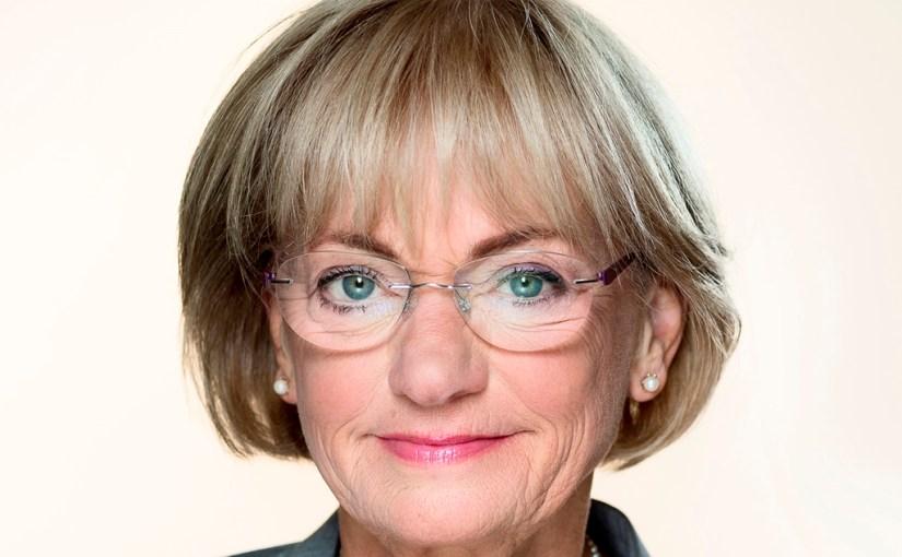 Pia Kjærsgaard, hjælp os med at undgå en endnu større Shitstorm mod Danmark