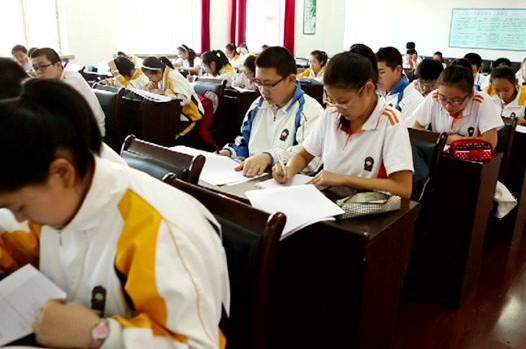"""Dansk folkeskole mod kinesisk – """"Danmark mod HELE Kina"""""""