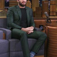 Så bär du en grön kostym lika smakfullt som Armie Hammer