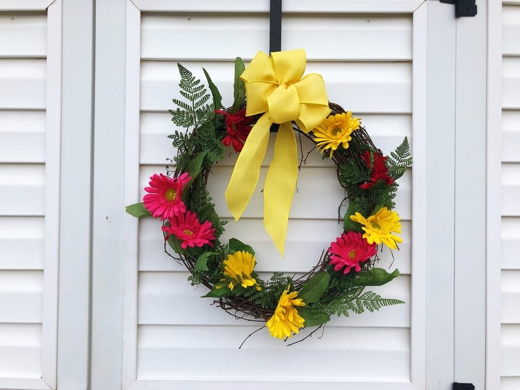 Gerbera Daisy Wreath - Etsy - Custom Decor - Martin's Home & Garden - Murfreesboro TN