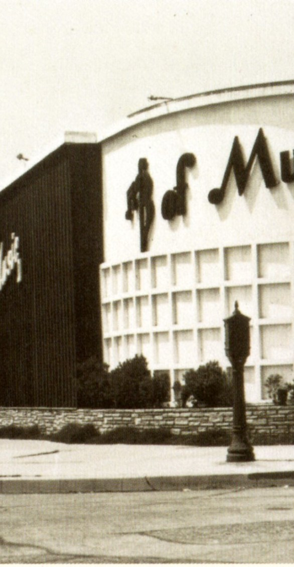 Bar of Music – Beverly Boulevard. Opened 1940.