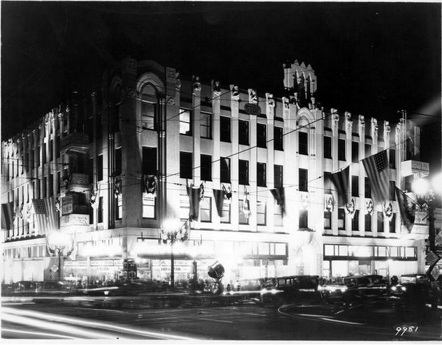 hw-western-buiThe grand opening of the Hollywood Western Building, 5500 Hollywood Blvd, LA on December 8th, 1928. lding-opening