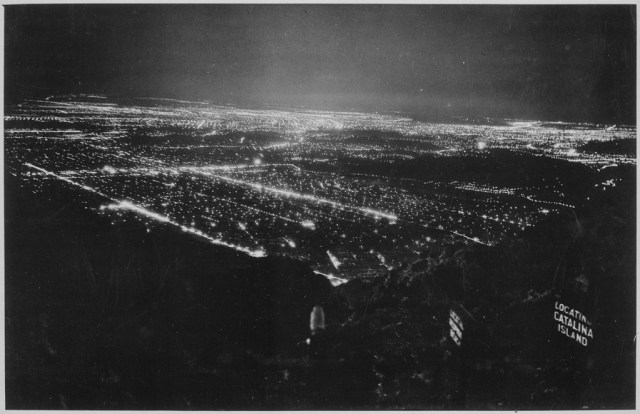 Los Angeles at night, as seen from Mt. Lowe in 1950.jpg