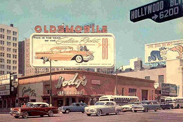 Hody's Restaurant at the corner of Hollywood and Vine, circa 1957
