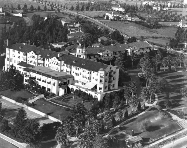 Aerial view of the Beverly Hills Hotel, circa 1920