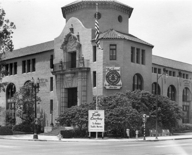 Automobile Club of Southern California headquarters at 2601 S. Figueroa St., Los Angeles, 1951
