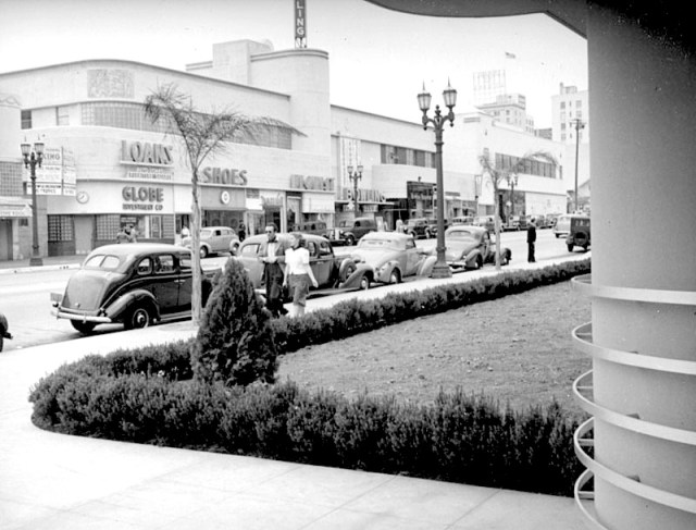 Looking north up Vine St from NBC studios, Hollywood circa 1939