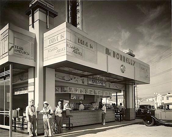 McDonnell's Ever Eat drive-in restaurant at 301 N. La Brea Blvd, circa 1932-33