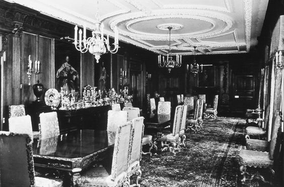 Dining room at Marion Davies Beach House