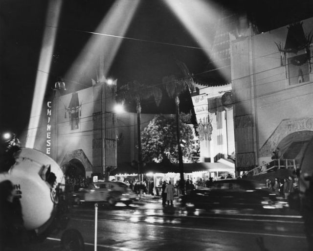 """Calling Northside 777"" premiere at Grauman's Chinese Theater, Hollywood, February 26, 1948."
