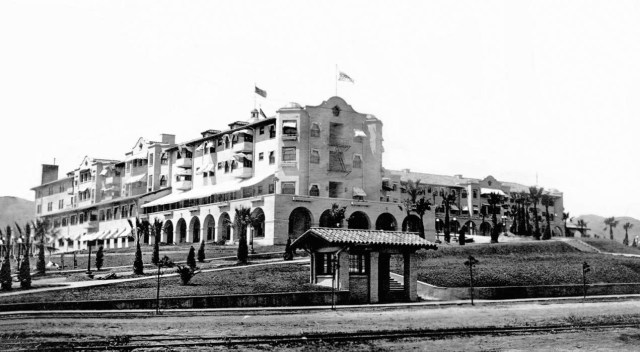 Beverly Hills Hotel with its own trolley station on Sunset Boulevard, circa 1918