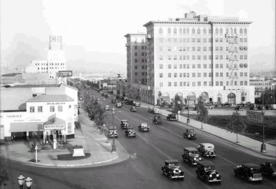Beverly Wilshire Hotel and Wilshire Boulevard facing east, circa 1930