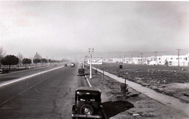 Wilshire Blvd, west of Fairfax Ave, Los Angeles, January 1933