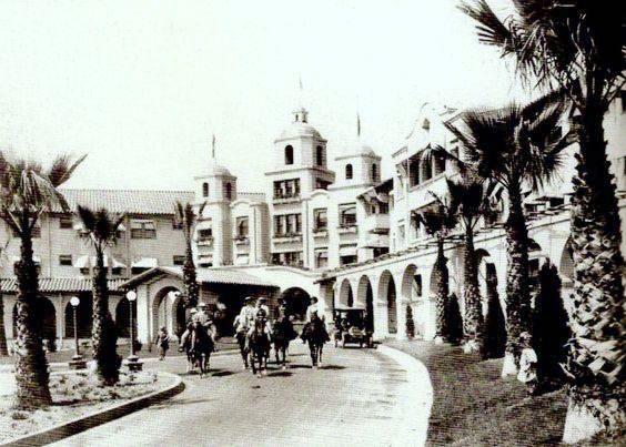 Entrance to Beverly Hills Hotel, circa 1920s