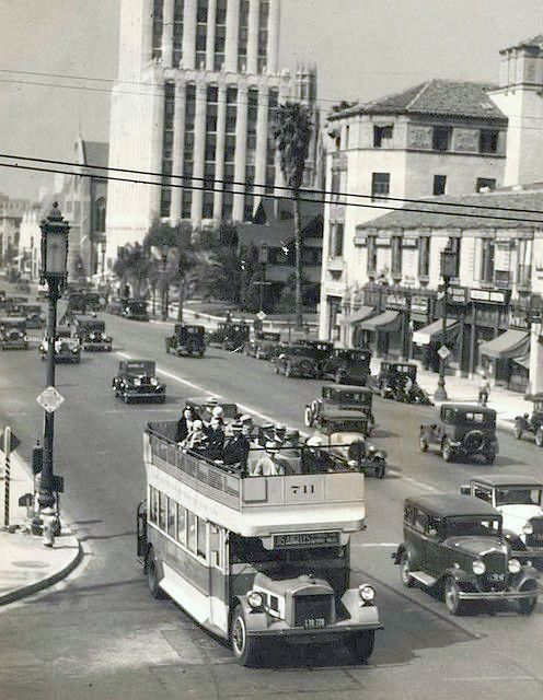 Los Angeles Motor Coach Bus on Wilshire Blvd, Los Angeles, circa early 1930s